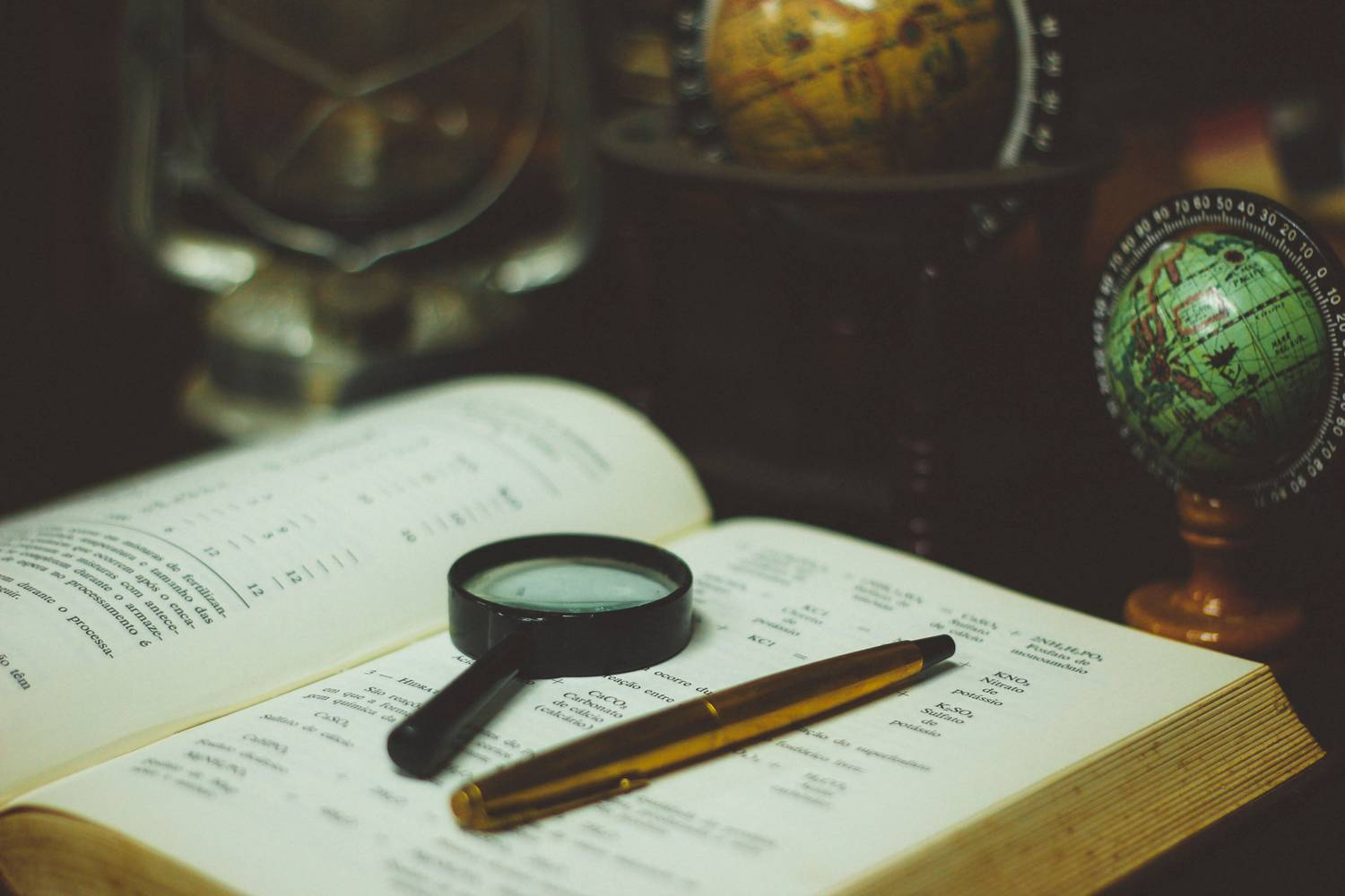 Private detective - is it worth using his services?