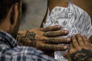 Studio tatuażu - sterylność, bezpieczeństwo i doświadczanie